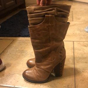 Jessica Simspons JS Daphne Boots in Tan